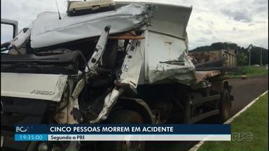 Cinco pessoas morrem em acidente entre ônibus e caminhão - Quinze pessoas ficam feridas