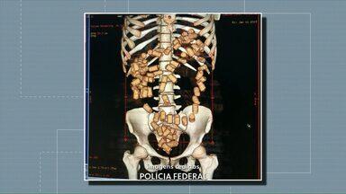Mulher engole 87 cápsulas de droga e é flagrada no raio-x do aeroporto - Ela tentava embarcar para Valência na Espanha.