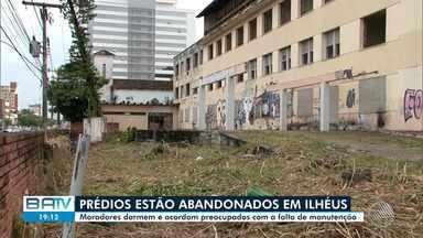 Prédios abandonados deixam moradores preocupados em Ilhéus - A reportagem foi até o local conferir o problema.