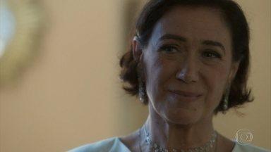 Valentina sugere um novo trato a Eurico - A empresária fica impressionada com a ousadia do cunhado
