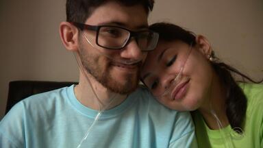 Casal mostra como o amor pode vencer as dificuldades - Assista ao vídeo.
