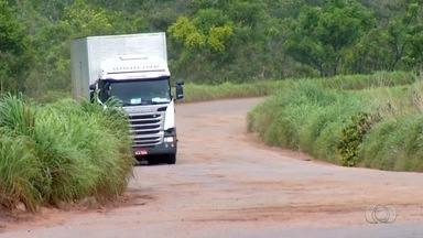 Estradas que servem de corredor para o transporte de soja estão em estado crítico - Estradas que servem de corredor para o transporte de soja estão em estado crítico
