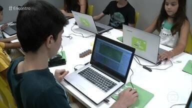 Crianças aprendem a programar os próprios jogos para computador e celular - Galerinha usa o tempo livre das férias para fazer cursos de games virtuais