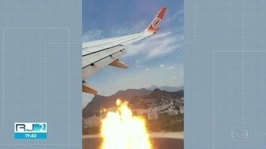 Problemas em avião após decolagem assusta passageiros de voo Rio-São Paulo - O avião tinha acabado de decolar do Aeroporto Santos Dumont quando um dos motores apresentou problemas e gerou alguns clarões. Por causa do incidente, a aeronave pousou no Aeroporto Internacional.