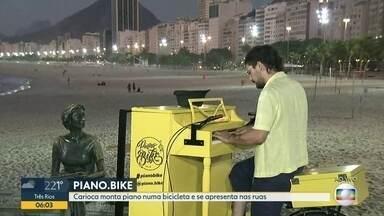 Carioca monta piano em bike e se apresenta nas ruas - Leandro Parisi diz que sempre teve o desejo de fazer arte de rua.
