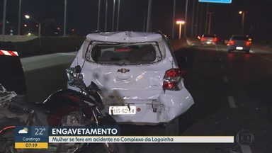 Mulher fica ferida em engavetamento envolvendo um ônibus coletivo em Belo Horizonte - O acidente foi registrado na madrugada desta sexta-feira.