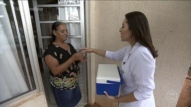 Kit permite que mulheres façam o Papanicolau em casa - Método consegue abordar pacientes resistentes ao exame convencional. Pesquisa aponta que mais da metade das mulheres brasileiras estão com seus exames preventivos desatualizados.