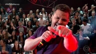 'Altas Horas' começa com Eduardo Costa cantando 'Sapequinha' - Programa começa com clima lá no alto!