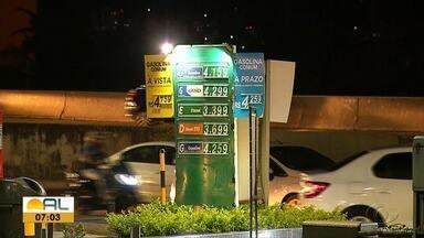 Preço dos combustíveis tem diferença pelo Nordeste - Em Maceió, houve uma redução de cerca de R$ 0,50 no preço da gasolina.