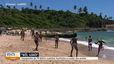 'Xô Lixo': ação na praia de Buracão mobiliza banhistas e barraqueiros - Campanha da TV Bahia mobiliza banhistas a cuidar das praias.