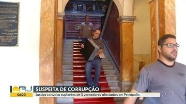Justiça convoca suplentes de 4 vereadores afastados em Petrópolis - Parlamentares deixaram cargos depois de suspeitas de corrupção.