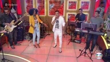 Negra Li e Di Ferrero cantam 'Trem das Onze' - Cantores homenageiam São Paulo!