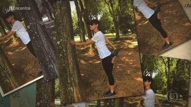 Fátima e convidados elegem seus lugares preferidos de São Paulo - Apresentadora mostra uma foto se alongando no parque de Ibirapuera