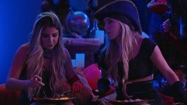 Paula para Hariany: 'A gente nunca arrumou treta com ninguém' - Sisters conevrsam enquanto comem