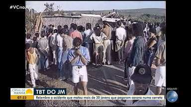 #TBT do JM: relembre o acidente que matou mais de 30 jovens em Vitória da Conquista - Os jovens pegaram carona em uma carreta que transportava um produto químico.