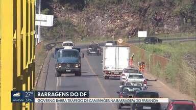 Caminhões serão proibidos de trafegar na barragem do Paranoá - O governo do DF vai proibir a partir de 1º de março o trânsito de caminhões na barragem do Paranoá para preservar a estrutura do local. Nada muda para carros e ônibus.