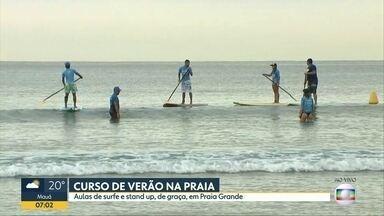Curso de verão na praia - Aulas de surfe e stand up, de graça, em Praia Grande