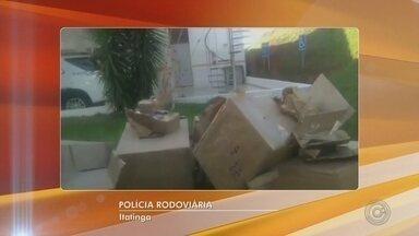 Motorista de caminhão é preso por contrabando em praça de pedágio de Itatinga - O suspeito foi preso em flagrante por contrabando e crime contra saúde pública, e a carga foi apreendida na Polícia Federal de Bauru (SP).