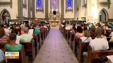 Catedral de Vitória tem missa em memória das vítimas de Brumadinho - A missa foi celebrada pelo arcebispo Dom Dario.