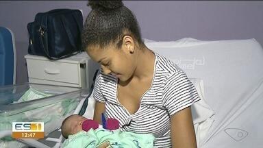 Número de adolescentes grávidas é alto no Brasil e coloca mãe e bebê em risco - Número de adolescentes grávidas é alto e coloca mãe e bebê em risco.