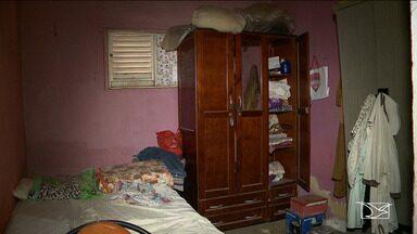 Bandido invade casa e esfaqueia pai e filho no Maranhão - Ação criminosa aconteceu por volta das 4h desta sexta-feira (1º) no bairro Maiobão, em Paço do Lumiar, na Região Metropolitana de São Luís.