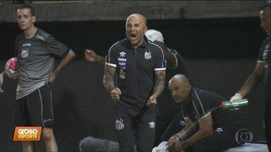 Santos goleia Bragantino e continua invicto no Paulista - Santos goleia Bragantino e continua invicto no Paulista