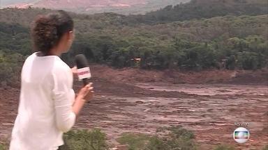 Equipes de busca não conseguem acessar o Córrego do Feijão por terra - Solo aquecido representa risco. Equipes precisam ser levadas por helicópteros. Um corpo já foi encontrado na região.