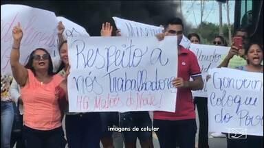 Funcionários de hospital estadual protestam por demissões em Matões do Norte - Funcionários do Hospital Geral disseram que todos foram demitidos nesta sexta (1º) e que o hospital fechou.