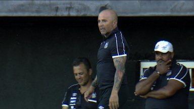 À frente do Santos, Jorge Sampaoli chama atenção pelo trabalho pelos resultados e desempenho do clube - À frente do Santos, Jorge Sampaoli chama atenção pelo trabalho pelos resultados e desempenho do clube