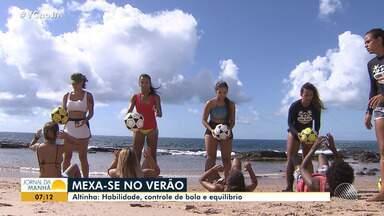 Esportes de verão: conheça a 'altinha', o esporte que demanda habilidade e equilíbrio - O esporte é muito praticado nas praias.