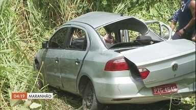 Ultrapassagem forçada pode ter causado a morte de cinco pessoas em acidente no MA - Cinco pessoas estavam em um táxi morreram na hora.