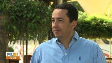 Moradores de Arapiraca ganham novo serviço, o 'Disque Luz' - Sup. de iluminação pública de Arapiraca, Mikael Albuquerque, esclarece o assunto.