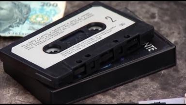 Itens de colecionador relembram o que marcou os anos 90 - Objetos, costumes e músicas marcaram a década de 90