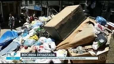 Morador grava imagens de casas que foram destruídas pela chuva na Rocinha - Subiu para sete o número de mortos por causa da chuva na última quarta-feira (6). Na Rocinha, moradores se uniram para limpar as casas que foram devastadas pela água.