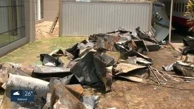 Em depoimento, atleta diz que incêndio começou no quarto 6 - Fontes ouvidas pelo RJ2 dizem que encontraram em meio a perícia no local da tragédia material de espuma próximo as paredes.