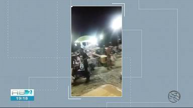 Confusão durante festa deixa feridos na praça Mestre Dominguinhos, em Garanhuns - Nove pessoas deram entrada no hospital após vândalos jogarem garrafas de vidro.