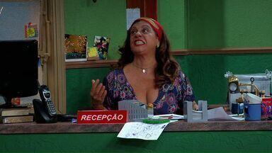 Dona Jô Tá Estressada - Valdo propõe organizar a vida Dona Jô para que ela venda ainda mais quentinhas. Como seu assistente pessoal, acaba exigindo demais dela, que acaba tendo um colapso nervoso.