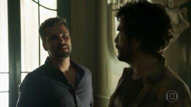 Geandro desabafa com Gabriel - Gabriel sugere que Geandro dê uma nova chance à Lourdes Maria. Murilo aparece na sala e Geandro fica surpreso ao saber que Gabriel está abrigando o filho de Sóstenes.
