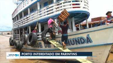 Estrutura que liga balsas se rompe e Porto de Parintins é interditado - Capitania dos Portos interditou terminal hidroviário após inspecionar estrutura.