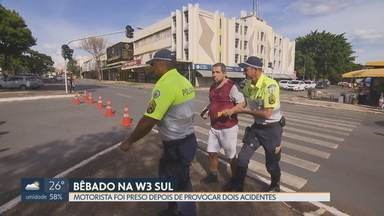 Motorista bêbado bate em dois carros na W3 Sul - Depois de bater no segundo carro, na 510 Sul, o motorista foi preso pela polícia com sinais de embriaguez. O exame de sangue constatou presença de álcool no sangue.