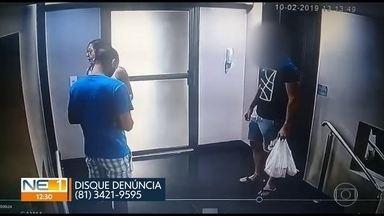 Casal suspeito de invadir apartamentos para praticar roubos é procurado pela polícia - Imagens de câmeras de segurança mostram ação da dupla, em Boa Viagem, no Recife