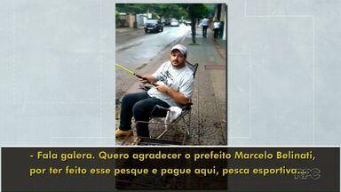Morador de Londrina 'pesca' em buraco para protestar - Desabafo foi registrado na região central da cidade.