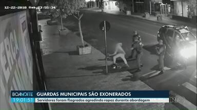 Guardas municipais de Cascavel são demitidos por agressão a suspeito - Servidores foram flagrados agredindo rapaz durante abordagem em Cascavel