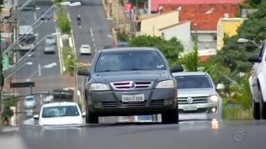 Confira dicas de como evitar golpe da venda de carros pela internet - Polícia Civil explica como se prevenir de golpes virtuais. O golpe da venda de carro pela internet fez mais uma vítima na região e, em Bauru, um homem perdeu R$ 38 mil para o estelionatário.