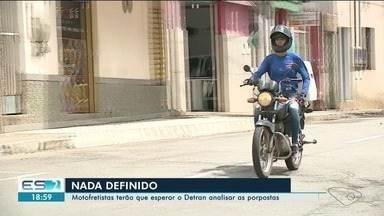 Motofretistas de Cachoeiro, ES, terão que esperar o Detran analisar propostas - Situação deles permanece a mesma.