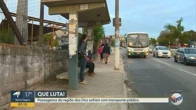 Após denúncia dos passageiros da região dos DIC's, superlotação apresenta melhora - Passageiros denunciaram superlotação, ônibus que não paravam no ponto. Nesta quinta-feira (14) a situação dos pontos de ônibus melhorou.