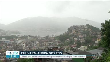 Defesa Civil de Angra dos Reis emite alerta para moradores do Morro da Boa Vista - Na comunidade vivem cerca de 800 pessoas. Principal preocupação é com o solo encharcado, que pode ocasionar em deslizamentos de terra.