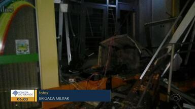 Agência bancária é atacada em Tunas - Ataque ocorreu durante a madrugada.