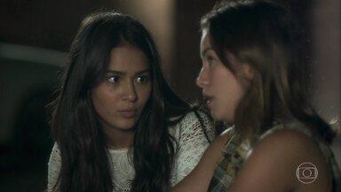 Elisa acoselha Diana - A lutadora fala sobre seus problemas com Rivalda