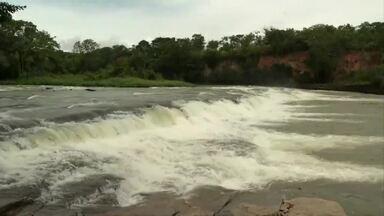 Consumo da água do rio Paraopeba é suspenso em Curvelo após tragédia em Brumadinho - Moradores que dependem da água do rio reclamam.